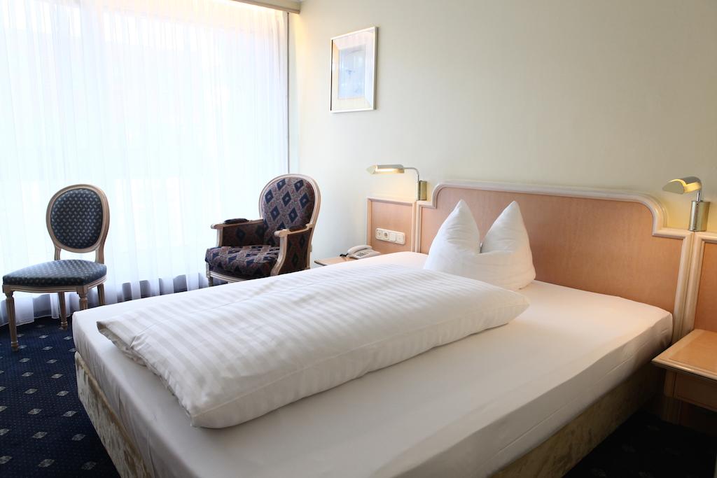 3 hotel ambiente zentrum m nchen zimmer hotelzimmer. Black Bedroom Furniture Sets. Home Design Ideas